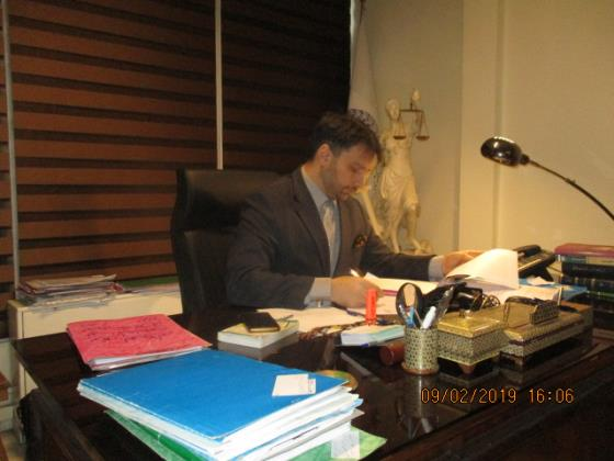 گروه حقوقی آستا وکیل  - گروه وکلای بهشتی