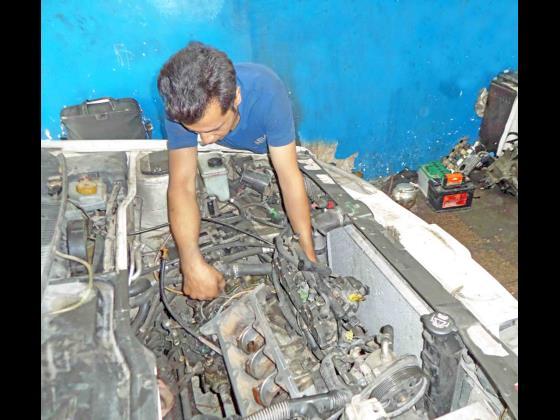 تعمیرگاه پیشتاز خودرو