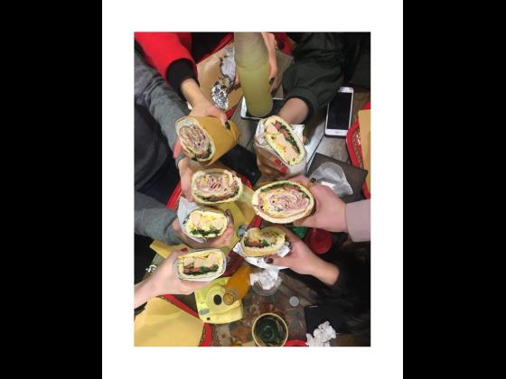 کافه ساندویچ باماهاس
