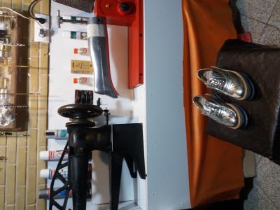 متخصص تعمیرات کیف کفش چمدان ماه