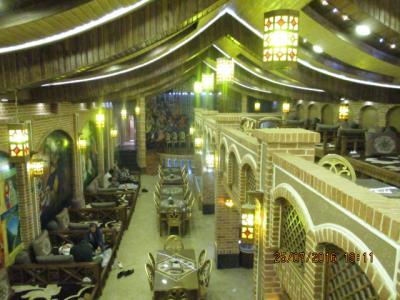 رستوران سنتی امپراتور (شبانه روزی)