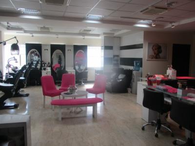 عروس سرای نیاوران - آرایشگاه زنانه نیاوران