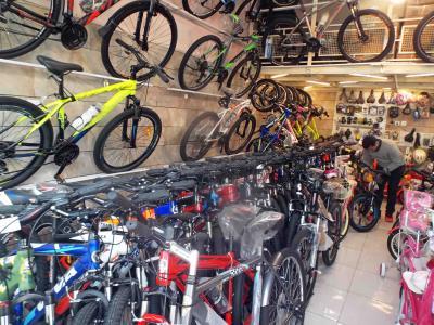 فروشگاه ویراژ دوچرخ - دوچرخه - اسکوتر - سه چرخه - تعمیرات - تعویض - بلوار 17 شهریور مشهد